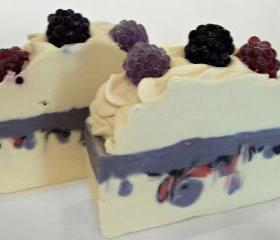Black Raspberry Vanilla Soap Slice with Shea Butter, Cocoa Butter and Pure Silk Soap Slice / cold process
